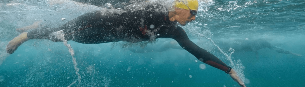 nadador-mar-abierto